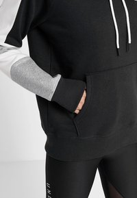 Under Armour - RIVAL LOGO HOODIE NOVELTY - Hoodie - black/onyx white - 3