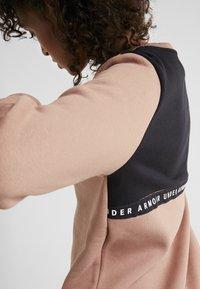 Under Armour - ORIGINATORS CREW LOGO - Sweatshirt - uptown brown/black/white - 3