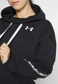 Under Armour - HOODIE TAPED - Mikina s kapucí - black/onyx white - 5