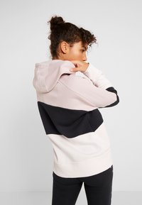 Under Armour - RIVAL FLEECE COLOR BLOCK HOODIE - Mikina skapucí - dash pink/black/french gray - 2