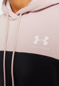 Under Armour - RIVAL FLEECE COLOR BLOCK HOODIE - Mikina skapucí - dash pink/black/french gray - 5