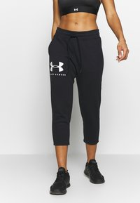 Under Armour - RIVAL SPORTSTYLE GRAPHIC CROP - Pantaloni sportivi - black/onyx white - 0