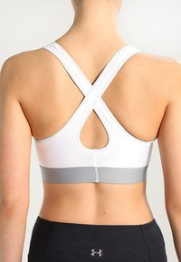 Under Armour - ARMOUR MID CROSSBACK BRA - Sports-BH - white - 4