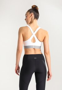 Under Armour - ARMOUR MID CROSSBACK BRA - Sports-BH - white - 2
