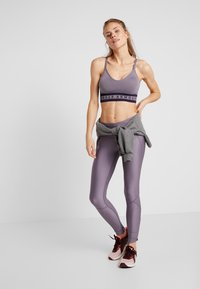 Under Armour - SEAMLESS LONGLINE BRA - Reggiseno sportivo - grey - 1