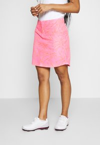 Under Armour - LINKS PRINTED SKORT - Gonna sportivo - lipstick/mod gray/beta - 0
