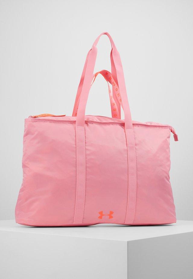 WOMEN'S FAVORITE TOTE 2.0 - Sportovní taška - lipstick/beta