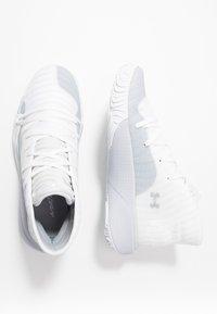 Under Armour - SPAWN MID - Basketbalschoenen - white/mod gray - 1