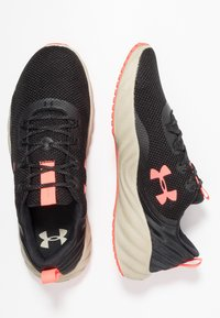 Under Armour - CHARGED WILL - Chaussures de running neutres - black/range khaki/beta red