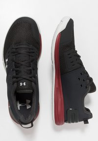 Under Armour - CHARGED ULTIMATE 3.0 - Træningssko - jet gray/aruba red/gray flux - 1