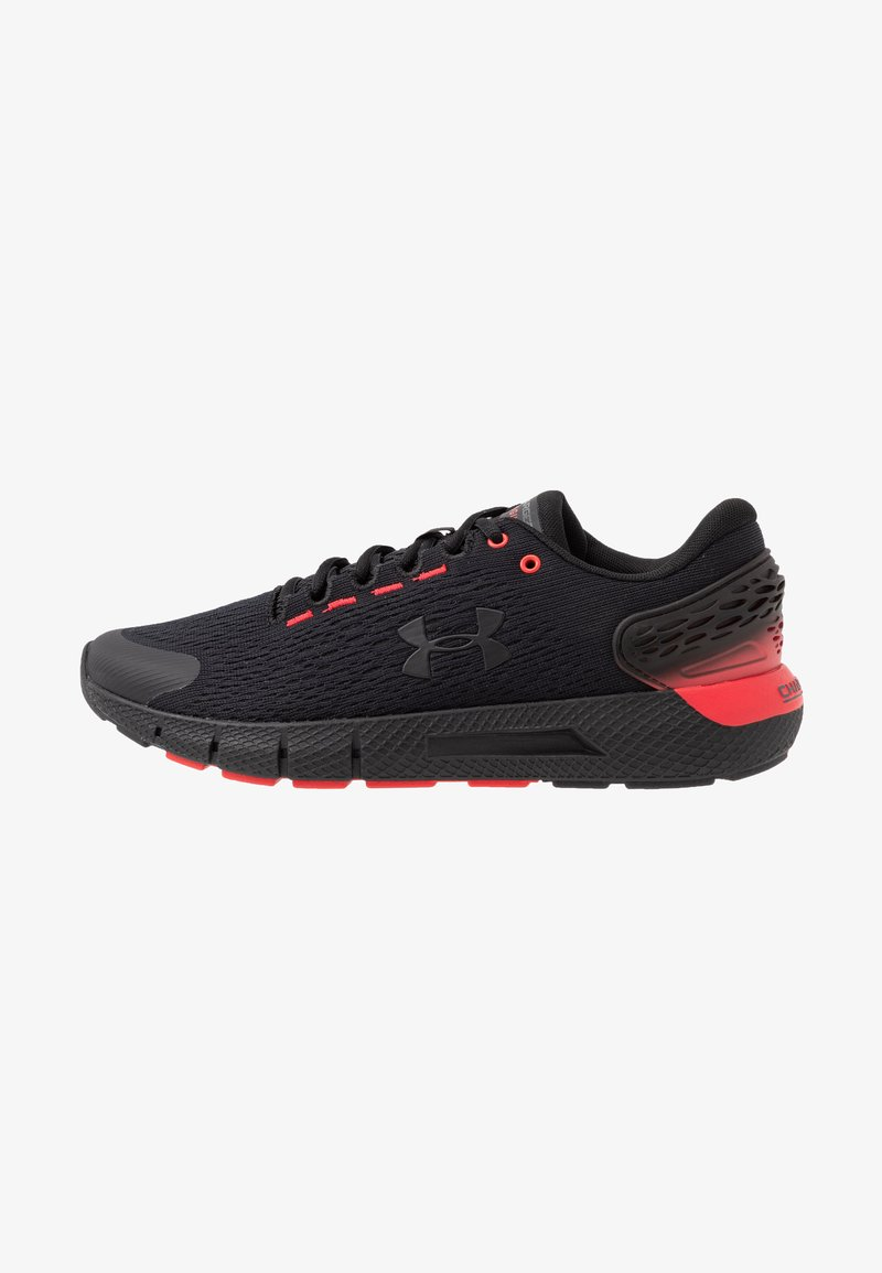 Under Armour - CHARGED ROGUE 2 - Zapatillas de running neutras - black/versa red