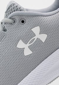 Under Armour - CHARGED PURSUIT 2 - Zapatillas de running neutras - mod gray/white - 5
