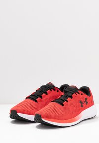 Under Armour - CHARGED PURSUIT 2 - Neutral running shoes - versa red/white/black - 2