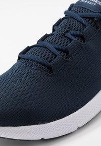 Under Armour - CHARGED PURSUIT 2 - Hardloopschoenen neutraal - academy/white - 5