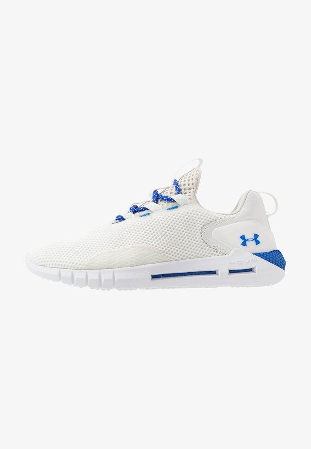 HOVR STRT - Chaussures de running neutres - onyx white/white/versa blue
