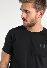 Under Armour - MK-1 TRAININGSSHIRT HERREN - T-shirt basique - black - 3