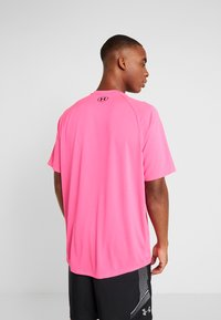 Under Armour - TECH TEE - Print T-shirt - pink surge/black - 2