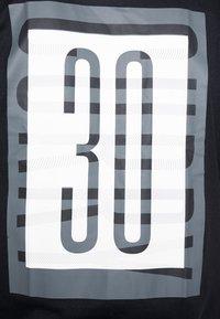 Under Armour - SC30 OVERLAY SS TEE - T-shirt print - black/white - 4