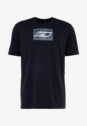 SC30 OVERLAY SS TEE - T-shirt z nadrukiem - black/white