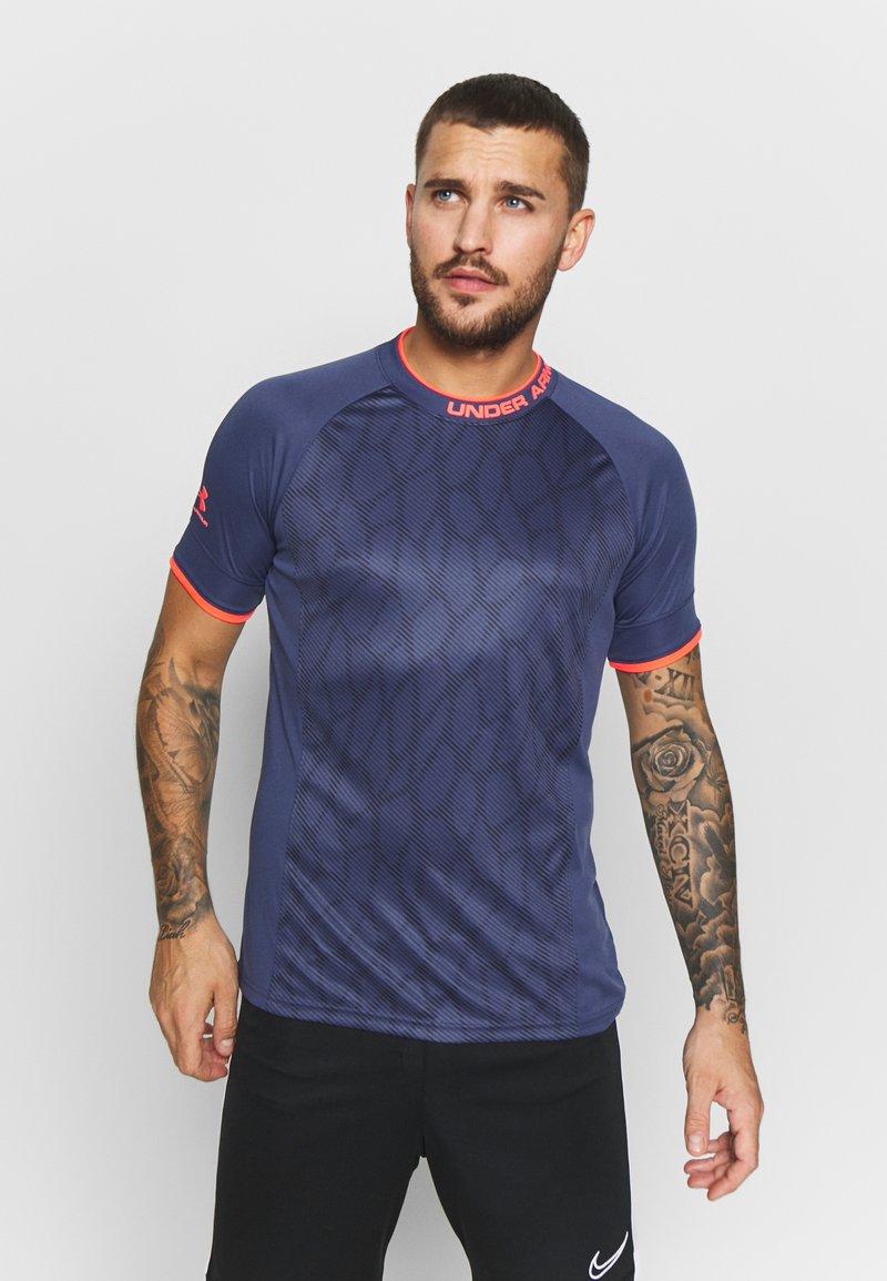 Under Armour - CHALLENGER NOVELTY - Print T-shirt - blue ink/beta