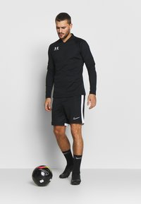 Under Armour - CHALLENGER MIDLAYER - Long sleeved top - black/white - 1
