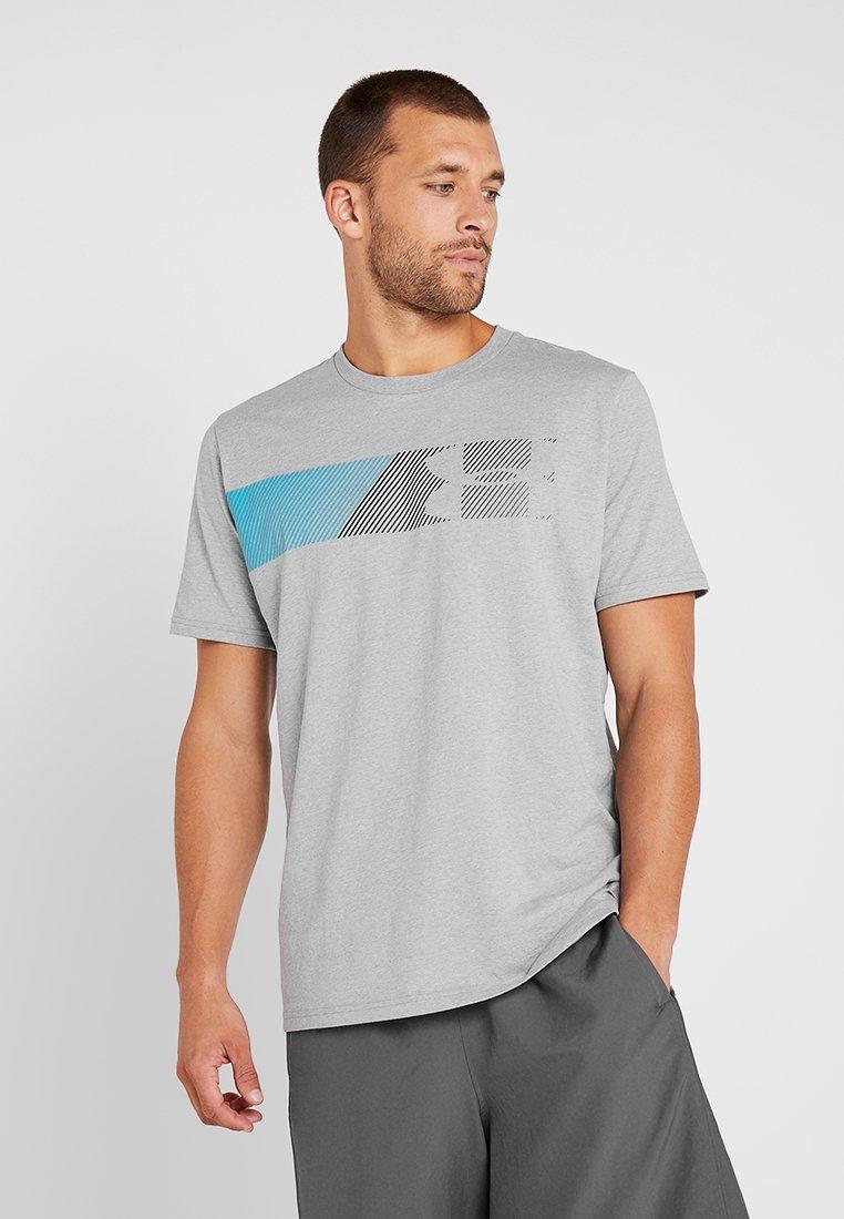 Under Armour - FAST LEFT CHEST 2.0  - Camiseta estampada - steel light heather