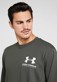 Under Armour - PERFORMANCE ORIGINATORS TEE - Long sleeved top - baroque green - 4