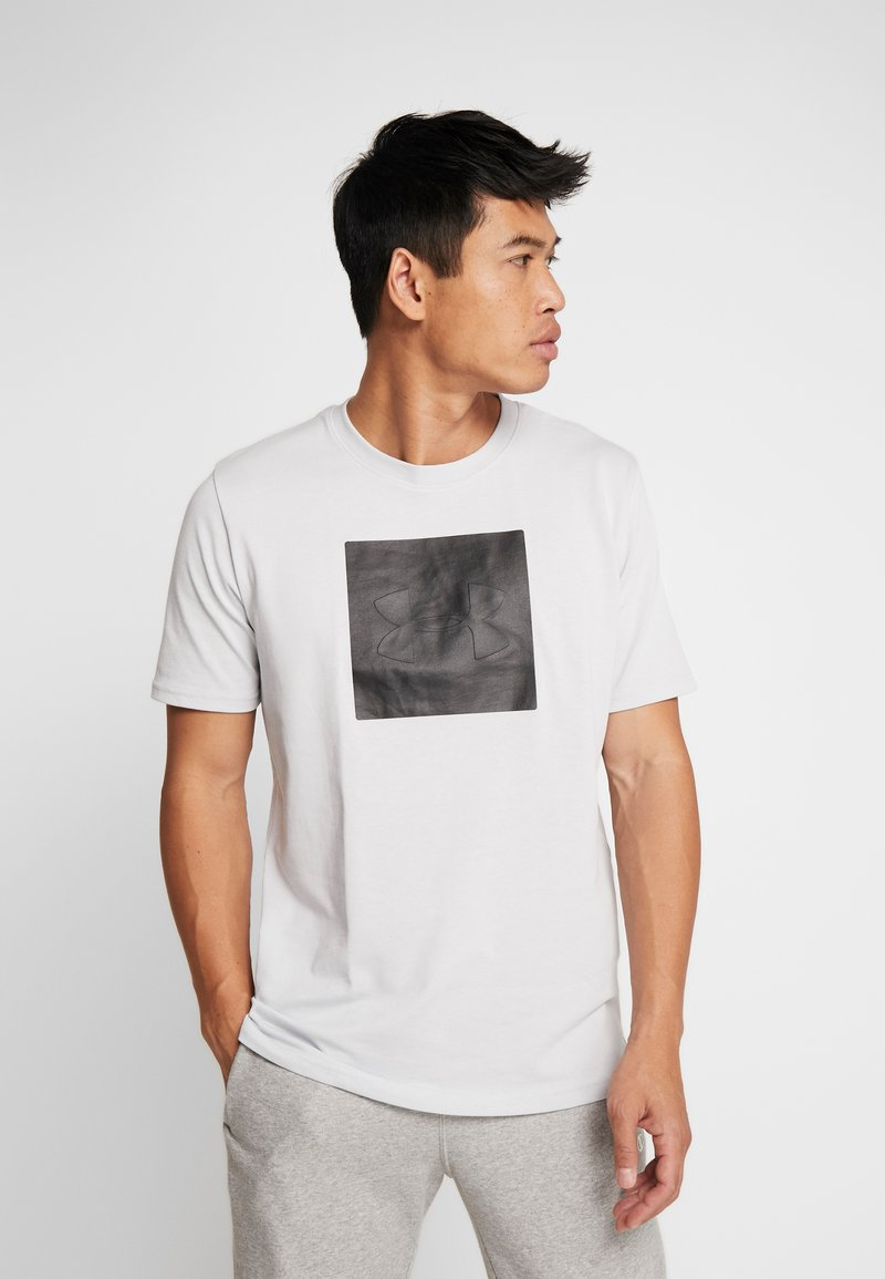 Under Armour - UNSTOPPABLE TEE - T-Shirt print - halo gray/black