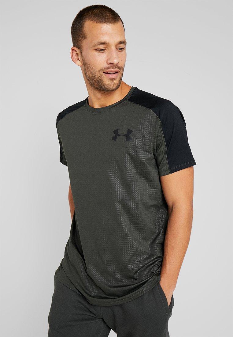 Under Armour - EMBOSS - T-Shirt print - baroque green/black