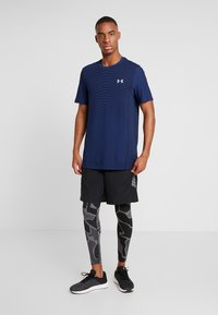 Under Armour - SEAMLESS WAVE - T-shirt med print - american blue/mod gray - 1