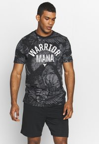 Under Armour - PROJECT ROCK ALOHA CAMO - T-shirts med print - black/summit white - 0