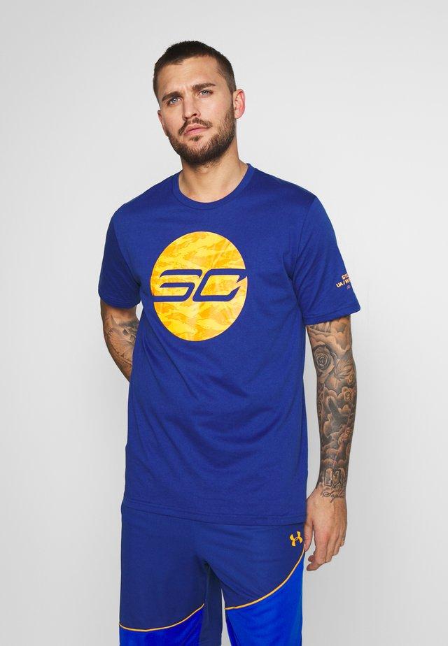 CAMO LOGO TEE - T-shirt imprimé - american blue/persimmon/versa blue