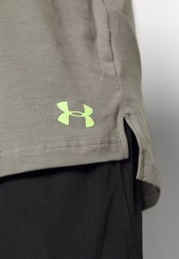 Under Armour - UA BASELINE  - Treningsskjorter - gravity green/x ray