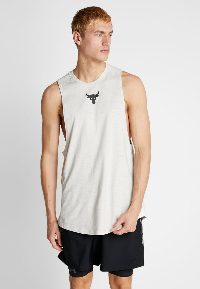 PROJECT ROCK CHARGED COTTON TANK - Top - summit white/black