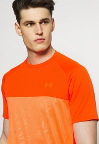 Under Armour - Print T-shirt - ultra orange/orange spark - 3