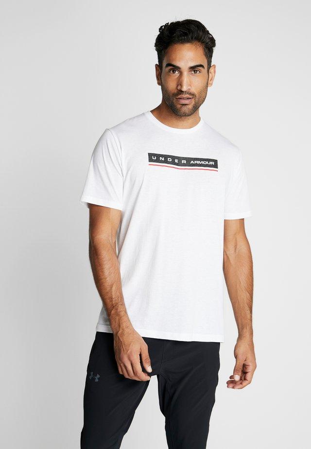 REFLECTION - Camiseta estampada - white/red
