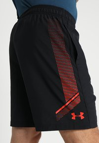 Under Armour - GRAPHIC SHORT - Pantalón corto de deporte - black/radio red - 4