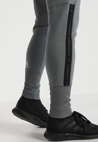 Under Armour - ACCELERATE OFF PITCH PANT - Træningsbukser - pitch gray/black/mod gray - 3