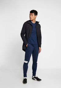 Under Armour - CHALLENGER TRAINING PANT - Trainingsbroek - academy/halo gray - 1