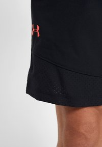 Under Armour - VANISH SHORT NOVELTY - Pantaloncini sportivi - black/beta red - 3