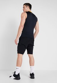 Under Armour - UNSTOPPABLE  - Shorts outdoor - black - 2