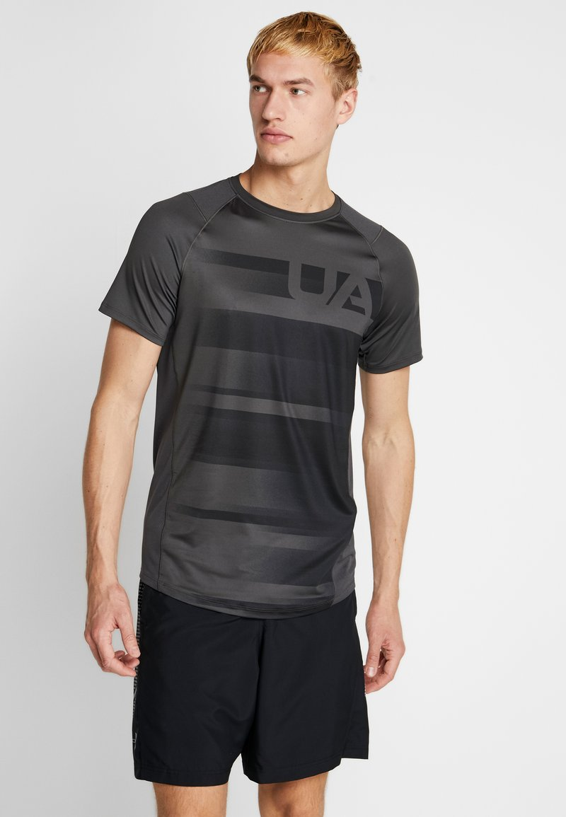 Under Armour - SUBLIMATED - T-shirt con stampa - jet gray/black
