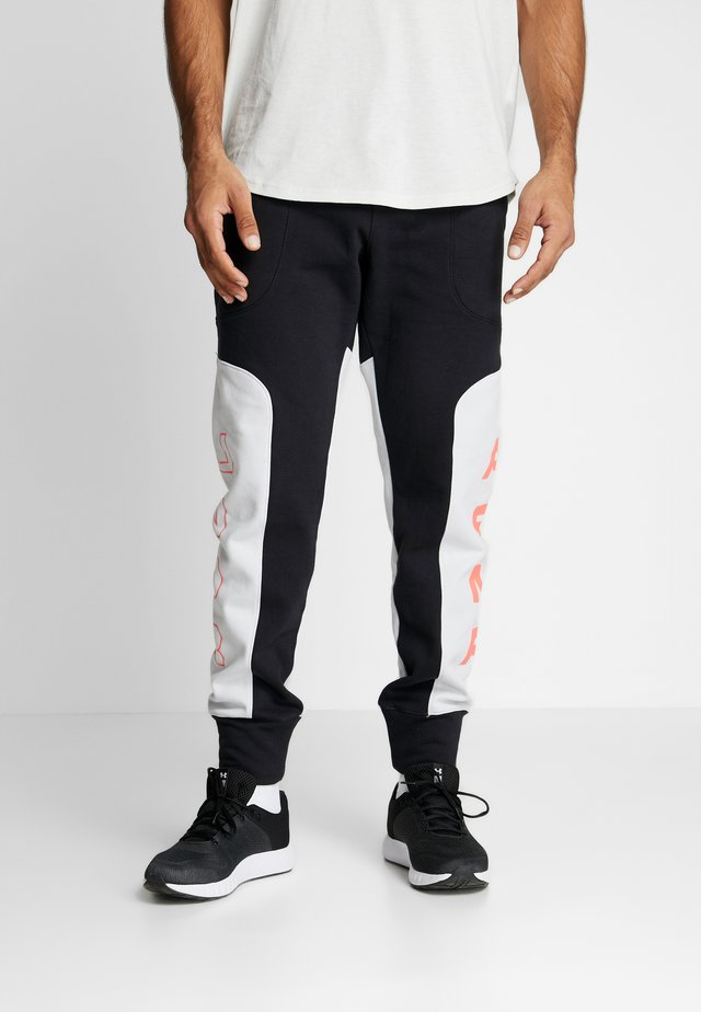 MOMENTS PANT - Tracksuit bottoms - black/halo gray/beta