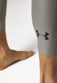 Under Armour - GRAPHIC LEGGINGS - Leggings - gravity green/black - 4