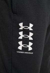 Under Armour - RIVAL MULTILOGO - Spodnie treningowe - black/onyx white - 2