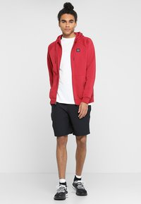 Under Armour - RIVAL  - Trainingsvest - red - 1