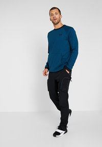 Under Armour - SPORTSTYLE CREW - Collegepaita - teal vibe/black - 1