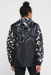 Under Armour - UNSTOPPABLE WINDBREAKER - Treningsjakke - black - 2