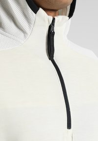 Under Armour - UNSTOPPABLE MOVE LIGHT HOODIE - Hættetrøjer - summit white/black