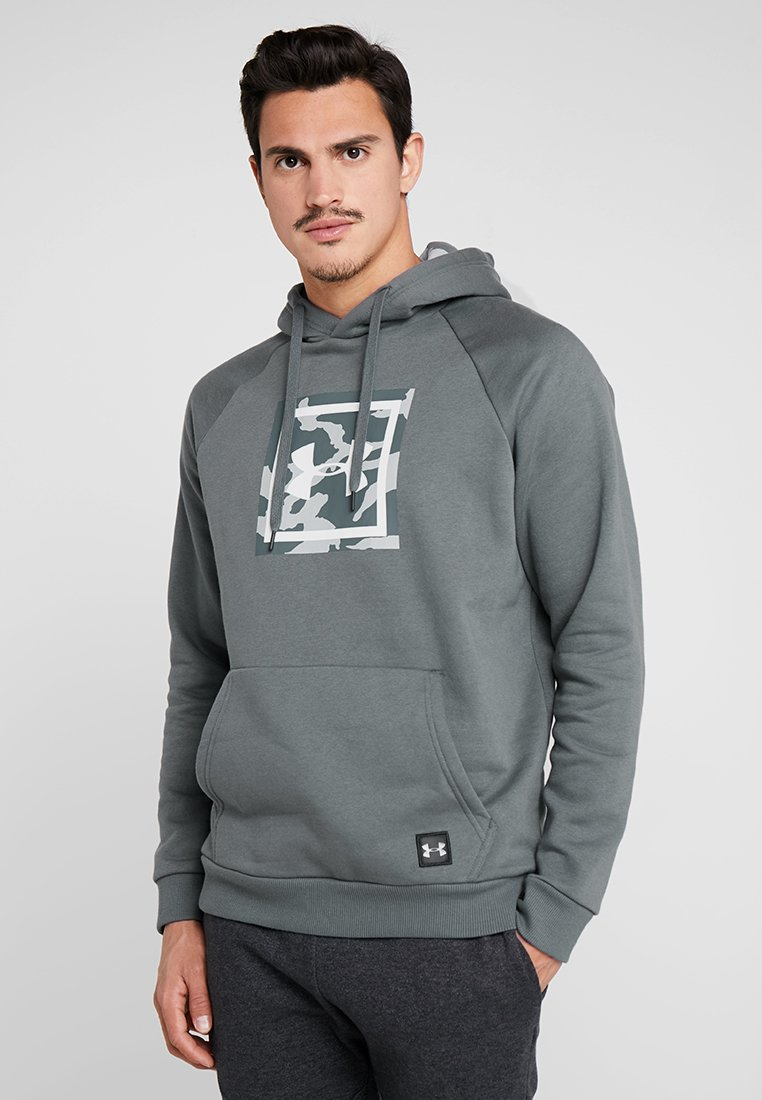 Under Armour - RIVAL PRINTED HOODIE - Kapuzenpullover - pitch gray/white